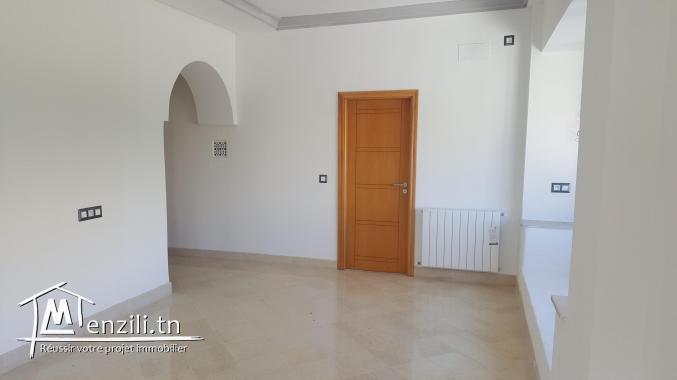sybVLZ2 villa à louer proche de l'ISC à Carthage