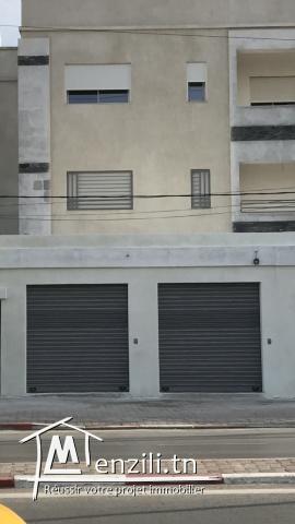 2 Garages commercials