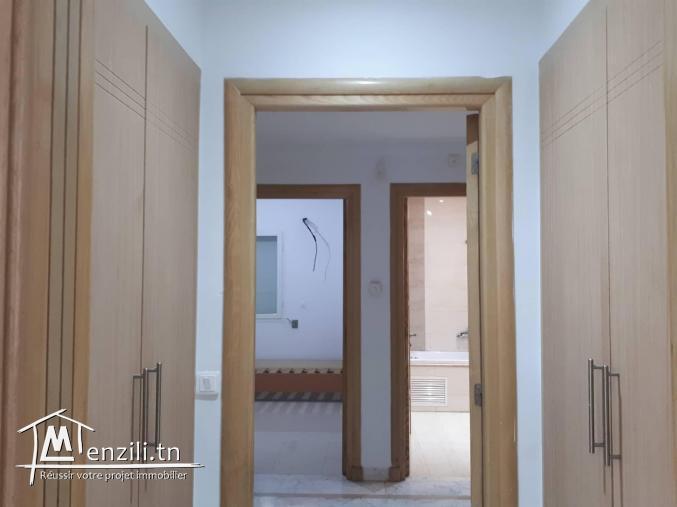 sybALK7 Appartement S+2 à louer au Jardins de Carthage