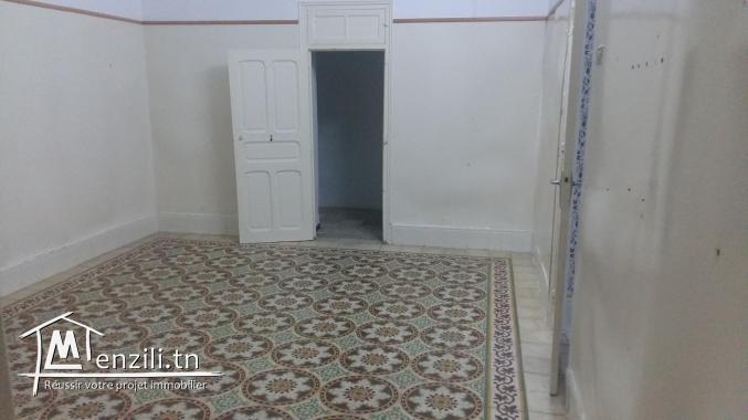 A vendre une maison comprenant 2 appartements
