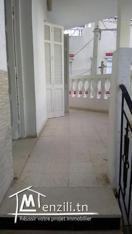 A vendre appartement 1er etage a cite wali bizerte