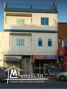 duplex à vendre (3 appa + 2 locaux commerciaux)