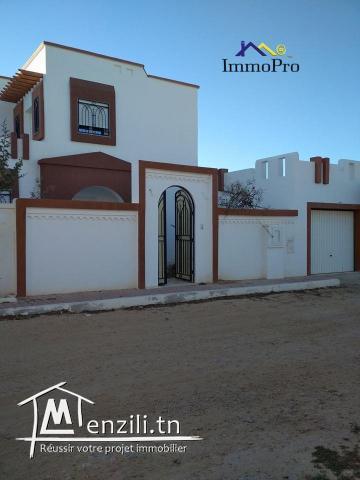 villa récemment construite à la vente