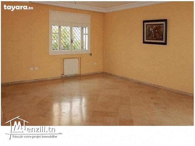 Un duplex de 240 m² sur un terrain de 175 m² à Hammamet Nord à 390