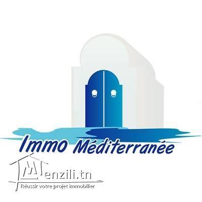 Une villa de 250 m² sur un terrain de 3030 m² à  1400 MDT à Hammamet Nord à 200 m de la plage