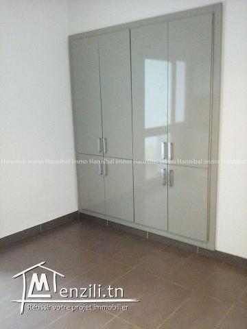 A vendre un bel appartement haut standing  S+3  à la Marsa cité el Khalil