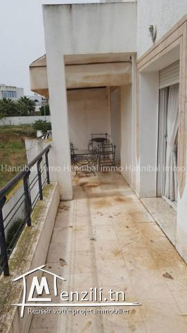 A vendre appartement S+3 très haut standing à Gammarth supérieur dans une résidence R+2