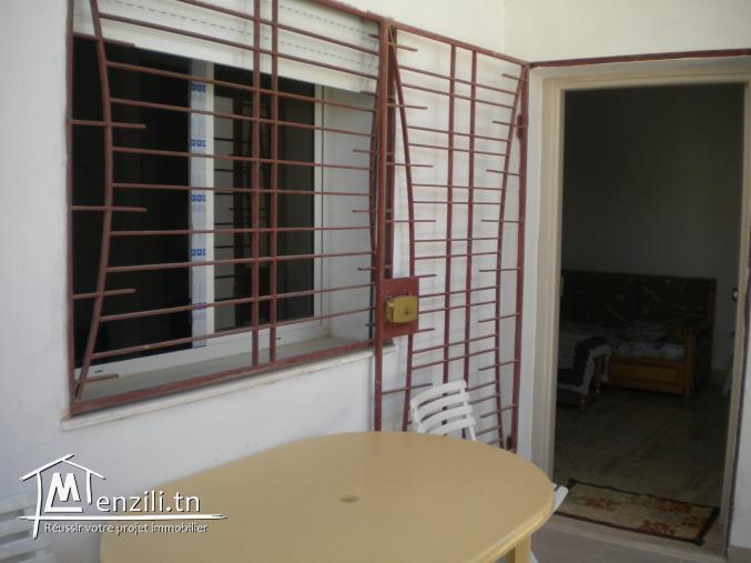 Une maisonnette de 120 m² sur un terrain de 150 m² à 215.000 DT à El Mrezka