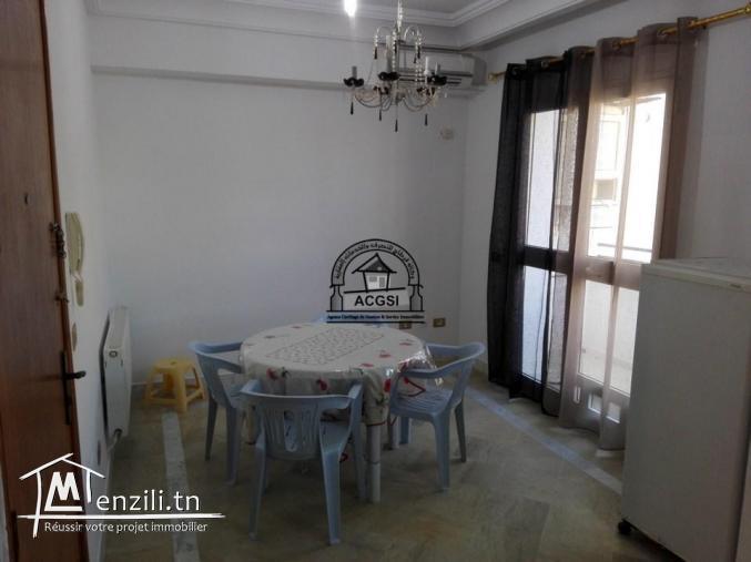 À louer ce studio meublé au-dessus de café Surfing Monastir