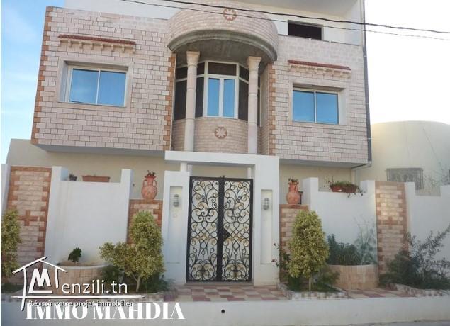 """À vendre une Villa """" R+2"""