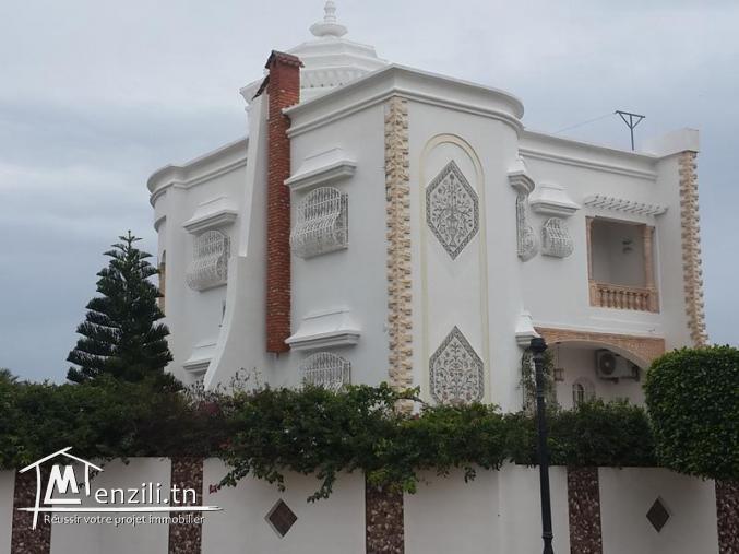 Villa RUSSELIOR(Réf: V1015)