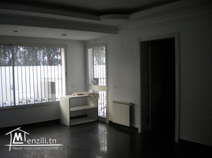 Une résidence de 650 m² sur un terrain de 348 m² à Yasmin Hammamet