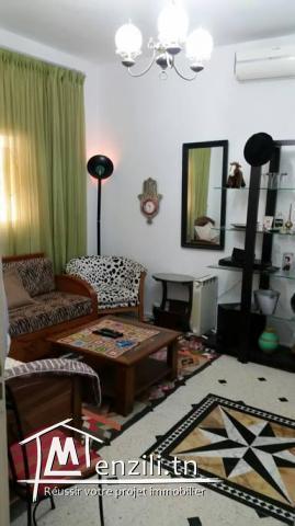 jolie grande chambre meublé climatisée