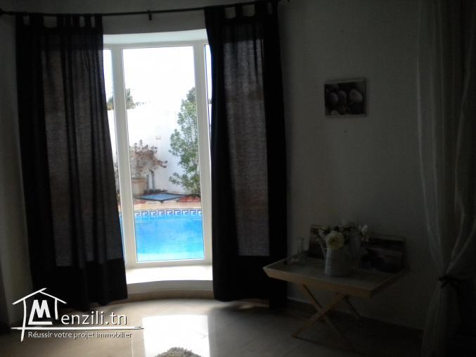 Une villa de 220 m² sur un terrain de 287 m² à 650 MDT