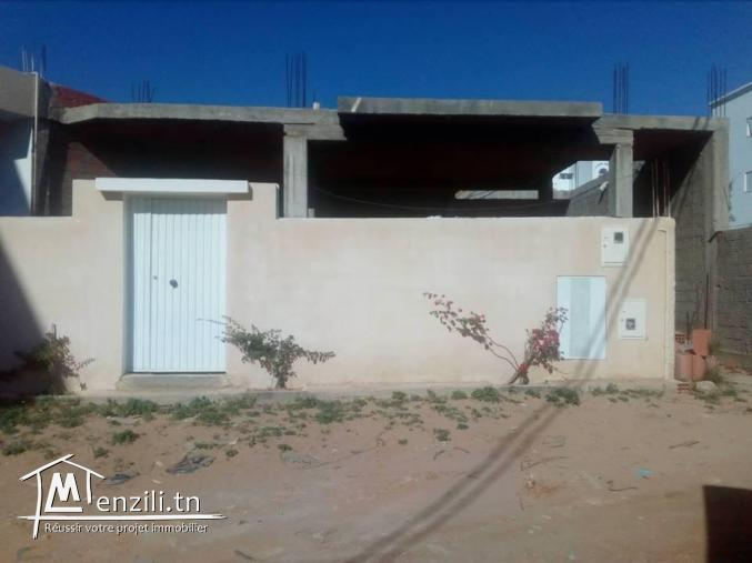 maison inachevée sur terrain de 110 m ²