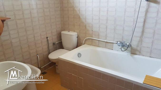 Villa s+5 à marsa corniche ref VL995