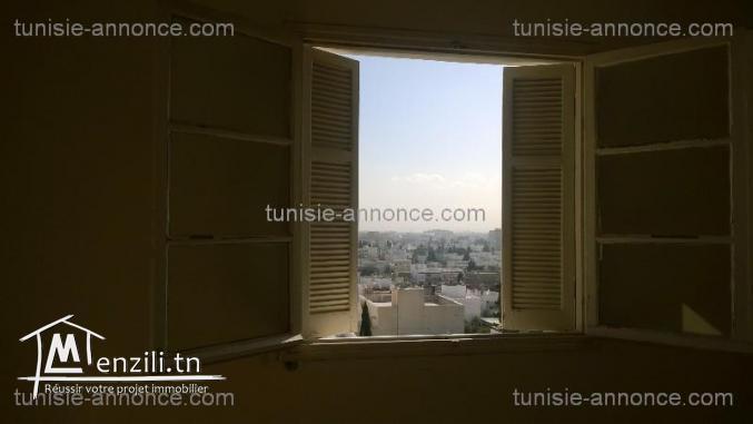 Appartement cité essaada 1 emplacement idéal