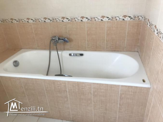 Villa s+3 à gammarth avec Piscine Ref MVL0024