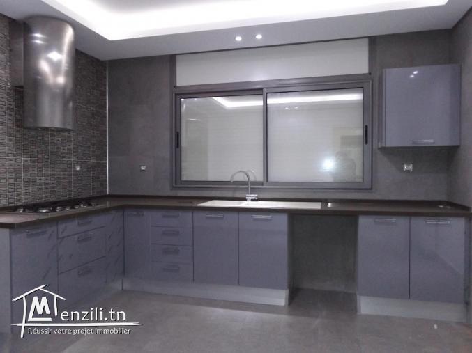 Un spacieux étage de villa S+2 à AFH Mrezga