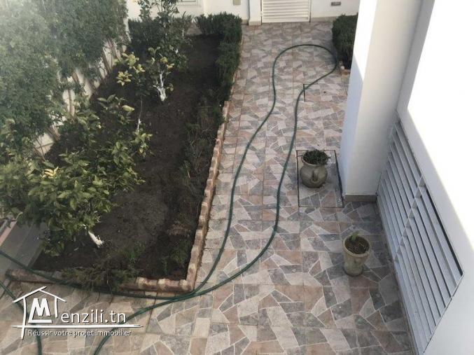 Villa s+6 au jardin de carthage avec jardin Ref MVL0105