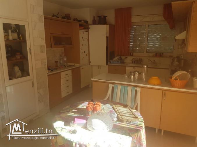 Villa s+3 à la soukra avec Piscine et jardin Ref MVV0089