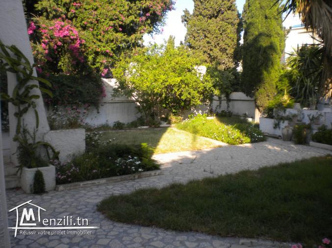 Une villa de 350 m² sur un terrain de 800 m² à 1 600 000 DT à Hammamet