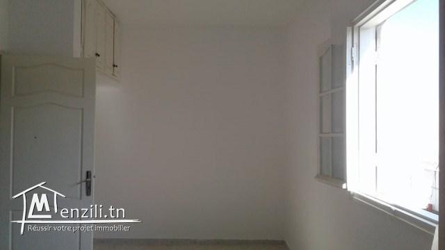 A louer à l'année à khzema Gharbia un magnifique appartement