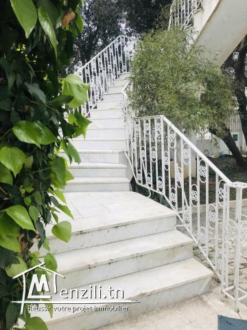 A louer étage de villa à mutuelleville