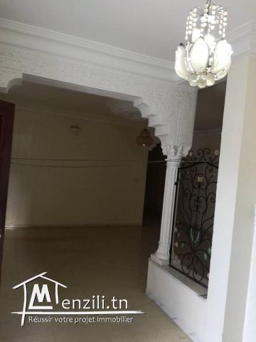 belle villa et studio dans une zone calme cité kelibia