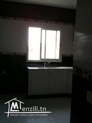 appartement S+1 avec gaz de ville superficie 45 m² A cite intilaka