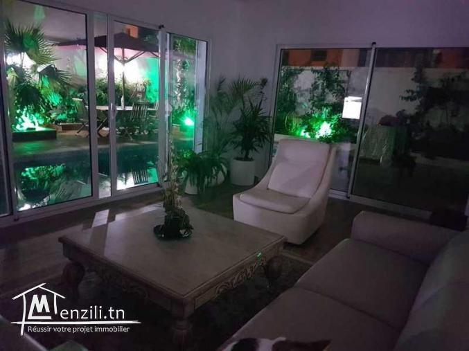 Villa s+5 à la soukra avec Piscine et jardin Ref: MVV0132