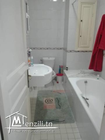 particulier vend un magnifique appartement à menzah 7
