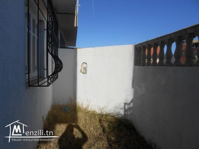 AV une maison avec garage a la compagne de hammamet sud  G