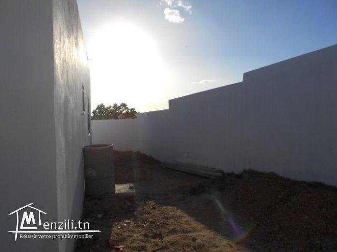 AV une maison avec jardin  hammamet sud   G
