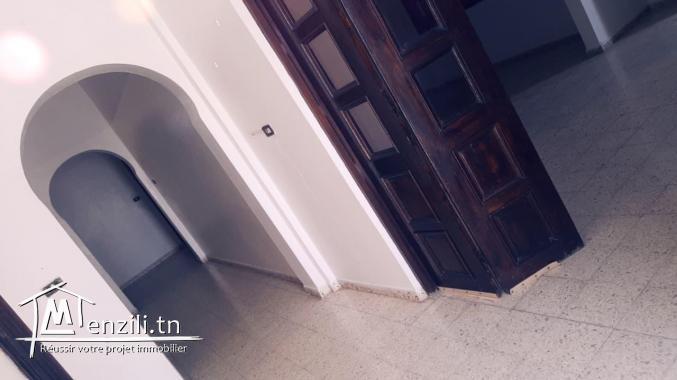 etage de villa a louer, el mourouj1