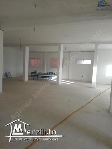 LOCAL COMMERCIAL  950 M2 TUNIS OUEST