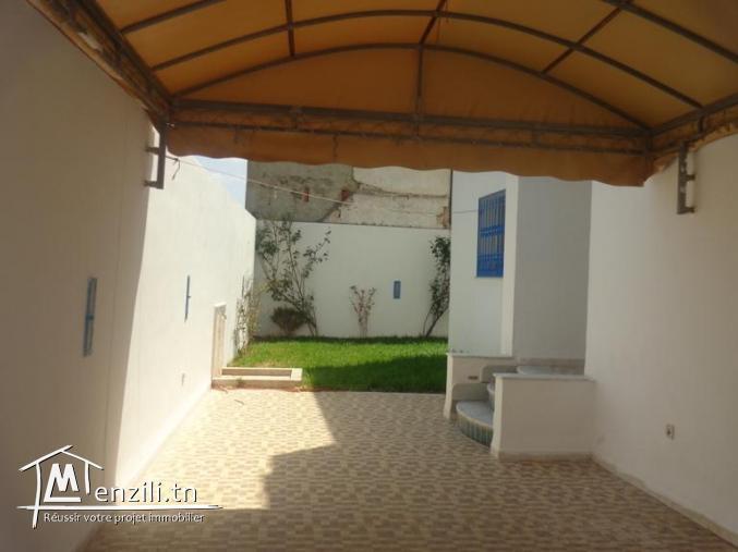 AV un appartement avec jardin + garage  G