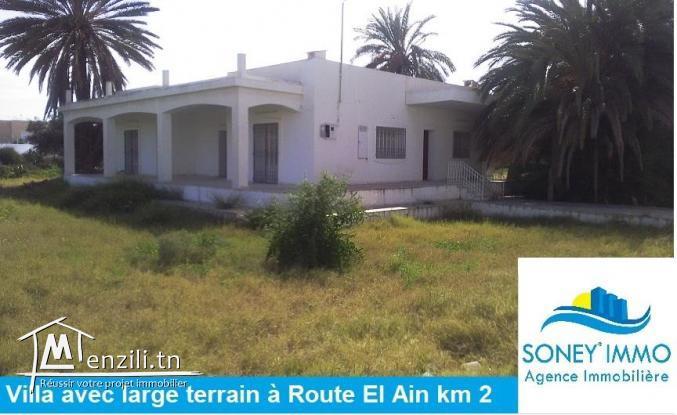 VILLA AVEC LARGE TERRAIN À ROUTE EL AIN KM 2