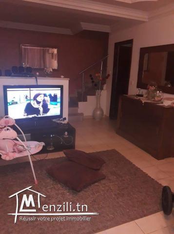 Maison duplex a vendre La Marsa