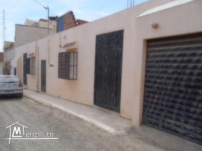AV deux maison avec un studio et un garage a hammamet sud  G