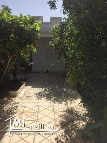 AV a bir bouragba maison de 200m avec garage et jardin.