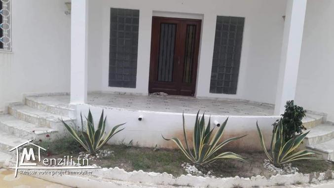 Vente une superbe villa avec studio Korba