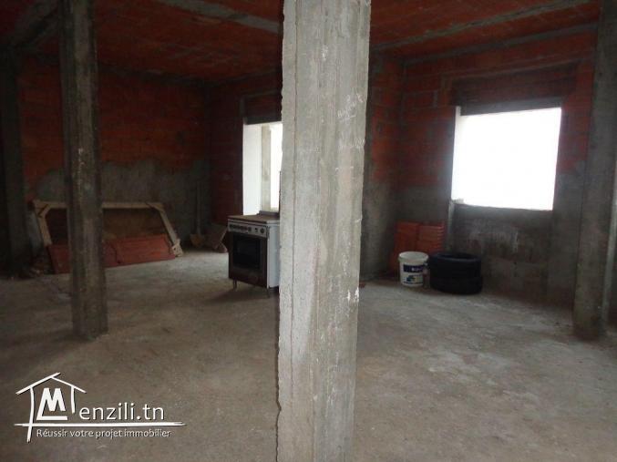 AV une maison avec deux étage a mnaret hammamet  G