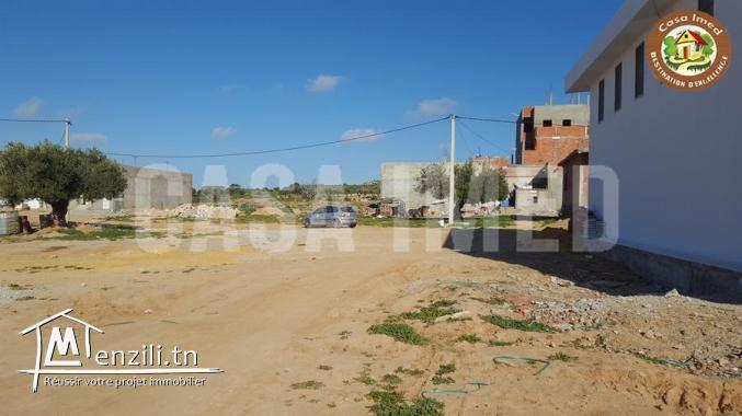 Terrain à Beni Khiar à 10 min de la plage