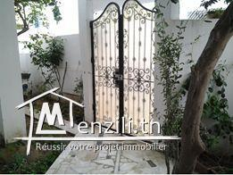 Villa à deux étages séparés avec deux entrées indépendantes à vendre