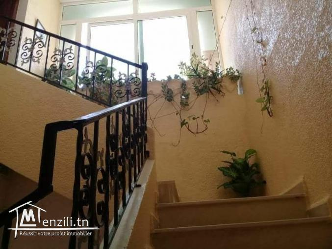 Vendre une maison sur deux niveaux