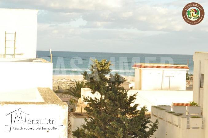 une villa à 20 m de plage korba