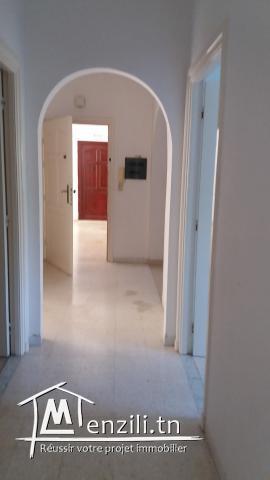 Grand appartement à el ghazela au rez de chaussée