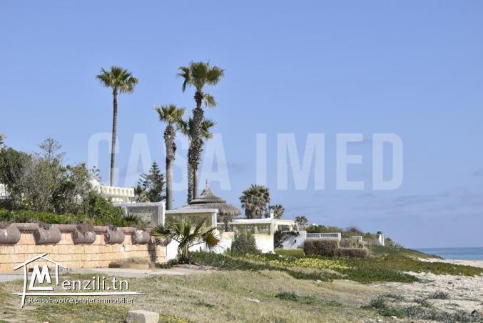 une charmante villa à Maamoura à quelques pas de la plage (50m) avec belle vue