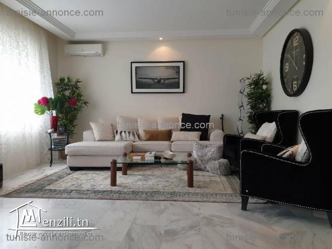 Appartement est situé dans un quartier calme et sécurisé à la marsa